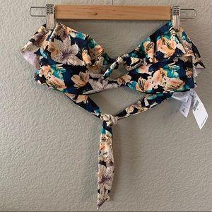NWT O'Neill bikini top!